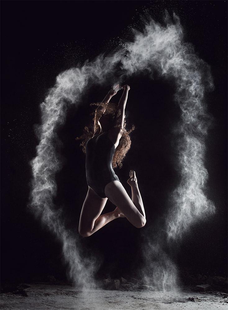 fotografia reklamowa Kraków; zdjęcia reklamowe dla firm sesja reklamowa z tancerką